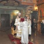 Владыка Савва совершил Божественную литургию в Рождественский сочельник