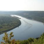 Состояние дамбы реки Днестр у Каменки удовлетворительно