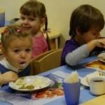 Установлены размеры платы за питание в детсадах