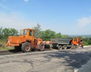 Завершился ремонт дороги на спуске возле села Дзержинское